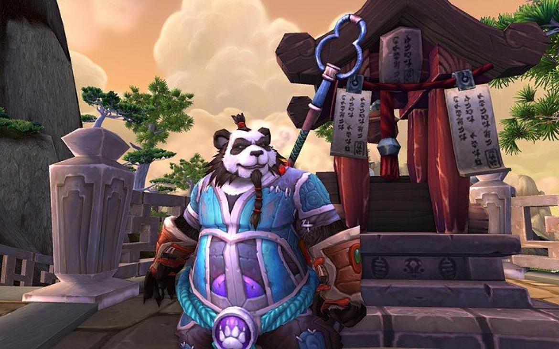 Mists of Pandaria -- Pandaren with blue/purple gear